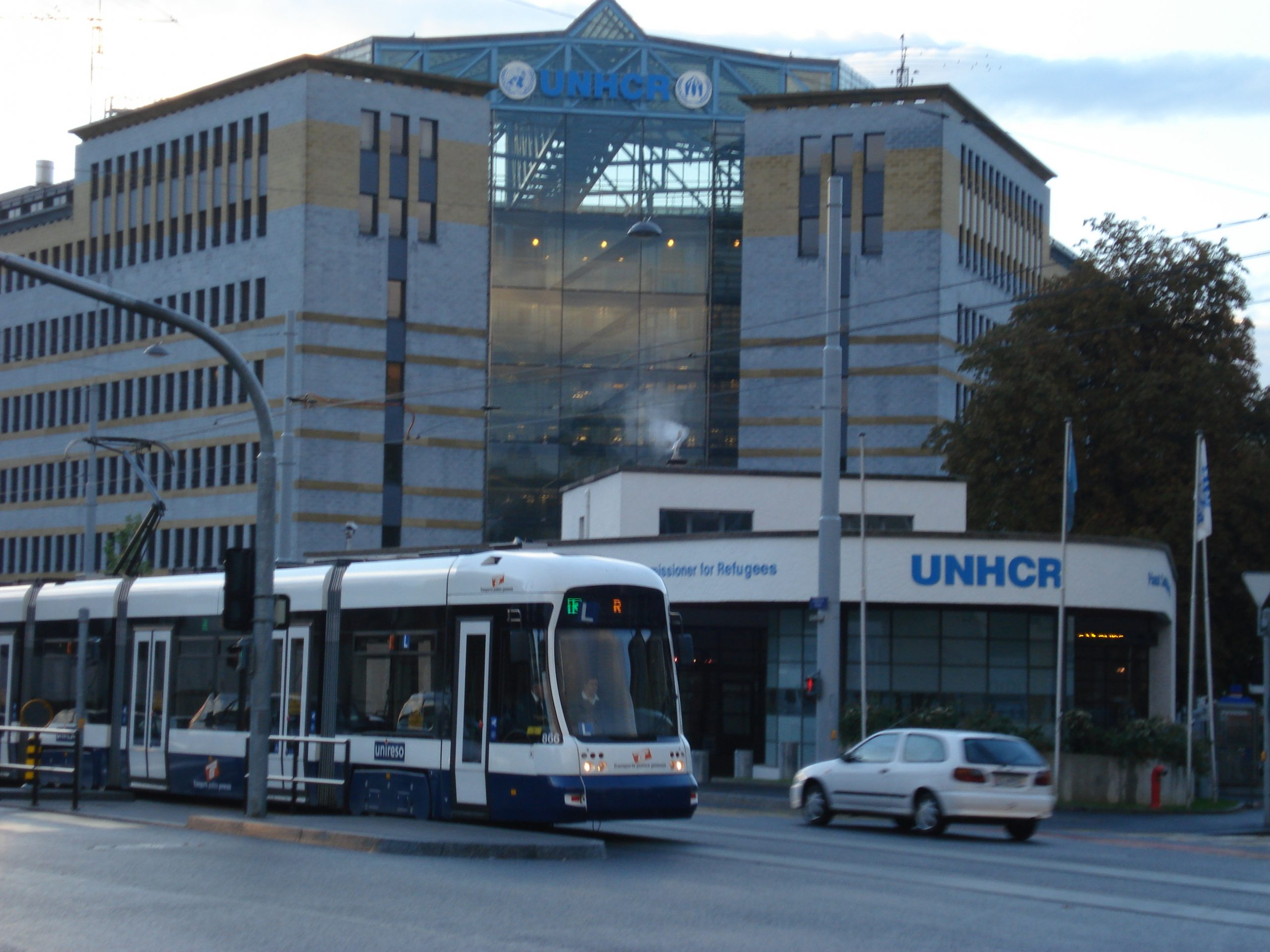 Avenue_de_France,_UNHCR_Building,_Geneva_-_panoramio