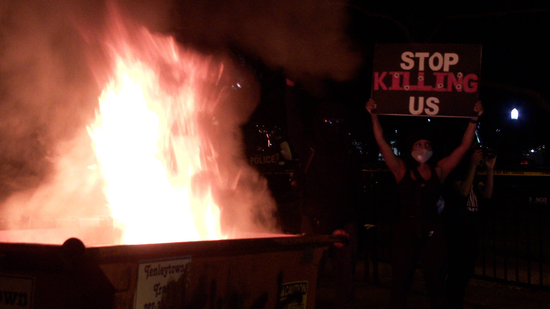 VIDEO: Chaos as police clash with George Floyd protesters at White House