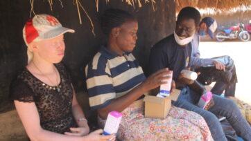 Pat Robert Larubi delivers sunscreen in Gulu, Uganda. (Courtesy: Pat Larubi)