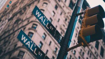 Lo Lo Unsplash - Wall Street