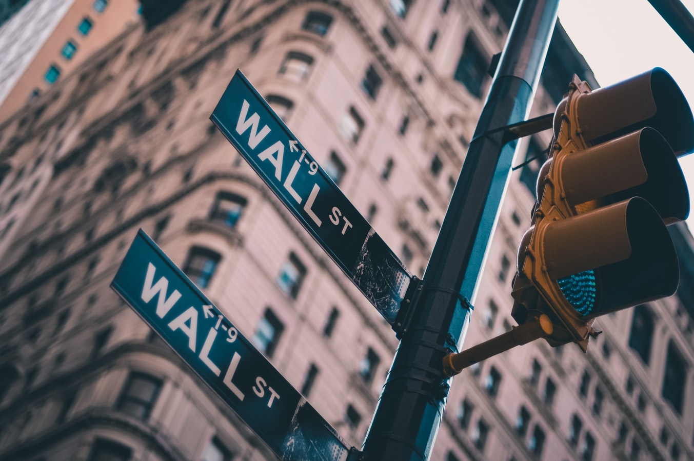 Lo Lo Unsplash - Wall Street