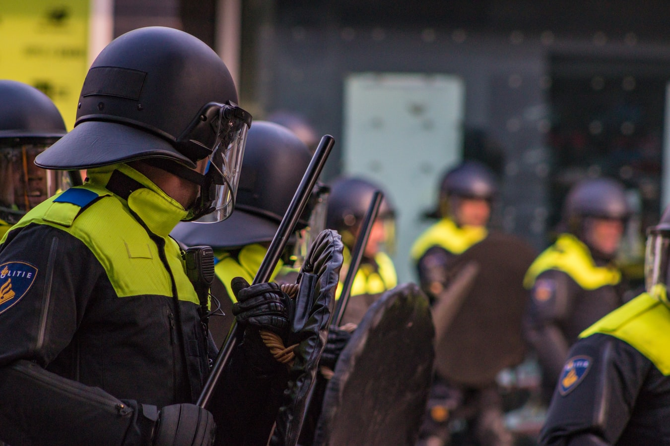 Dutch police 'threaten' suspects with using images of alleged crimes online