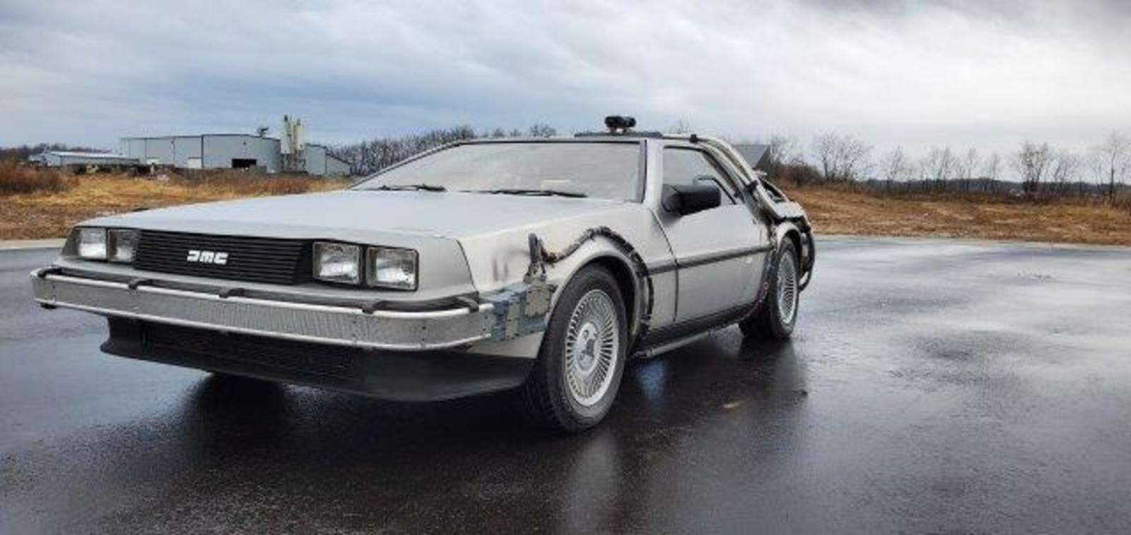 DeLorean dreams: Movie replica cars seized in federal case up for auction