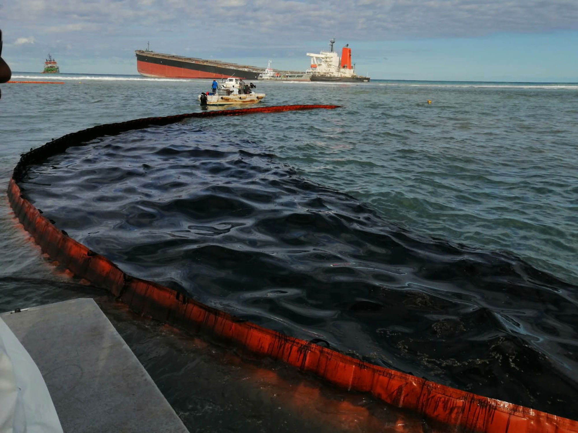 Towing and Sinking Leaking Fuel Tanker 'the Worst' Option: Environmentalists