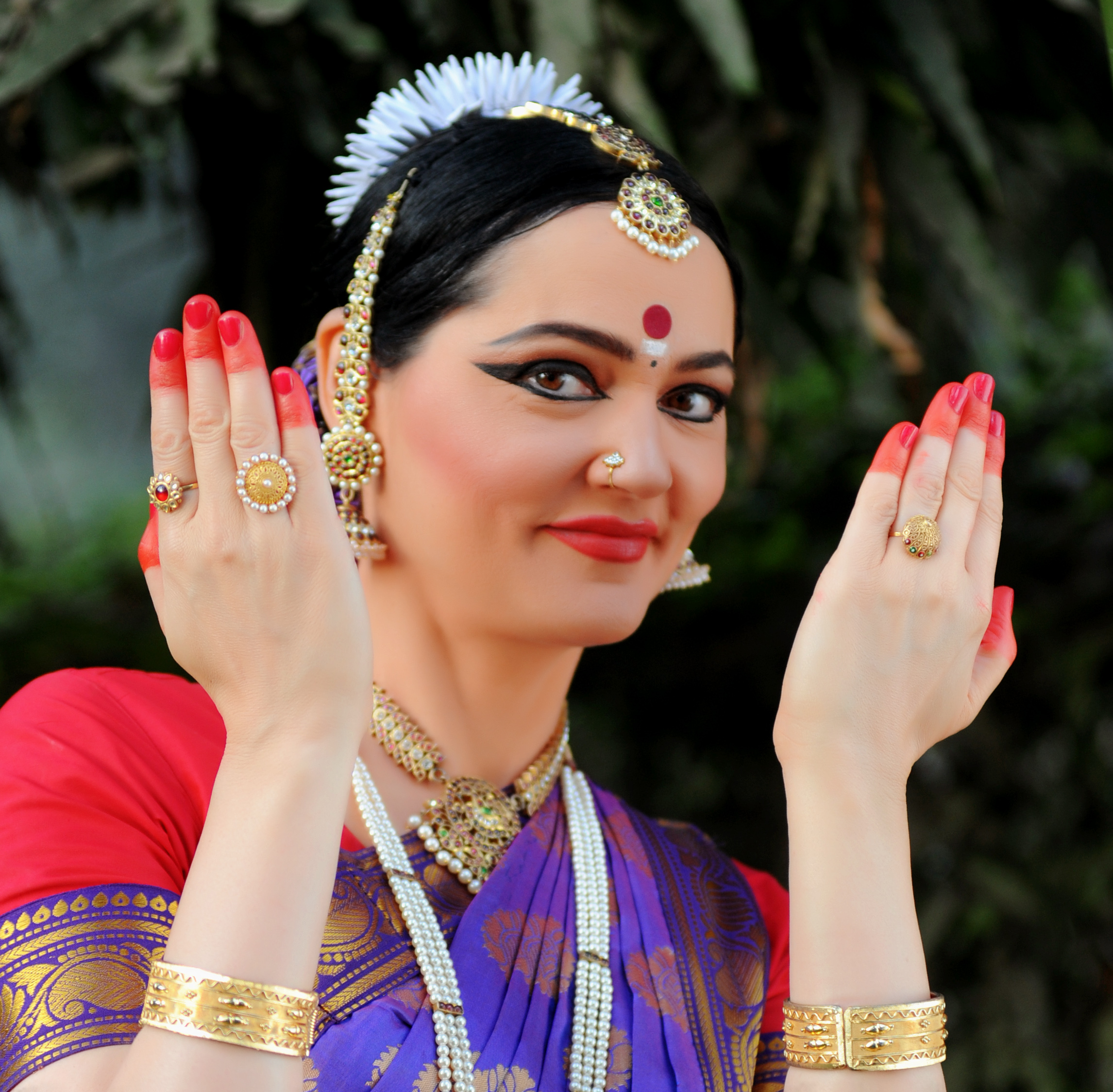 Stepping Up: Overseas Artists Flock to India to Study Classical Dance