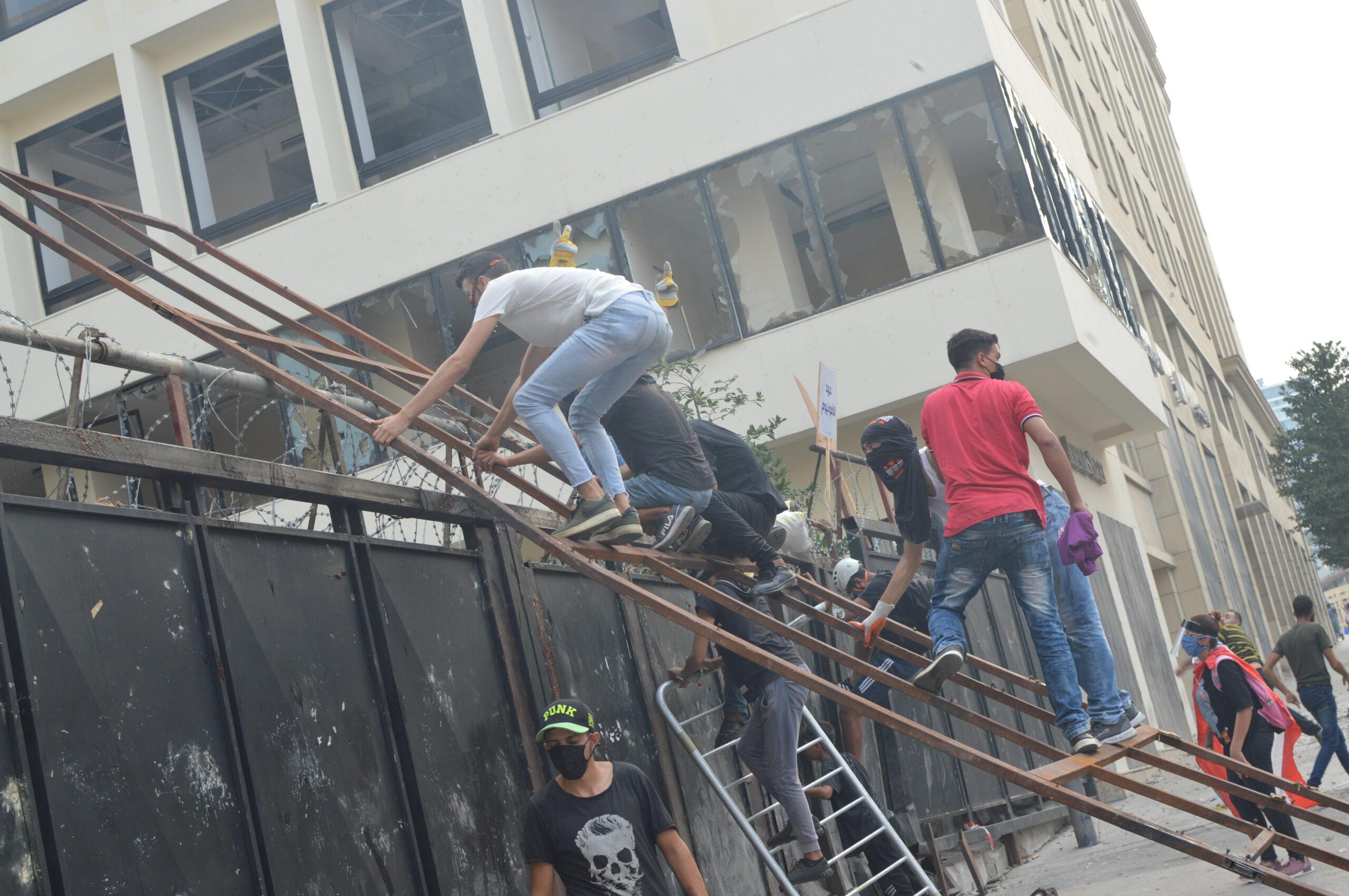 Protests of Political Corruption Erupt in Beirut