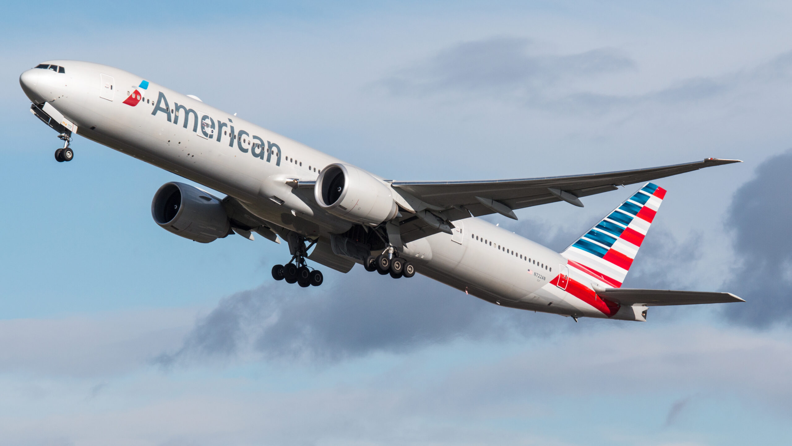 American Airlines to slash 40,000 jobs through October
