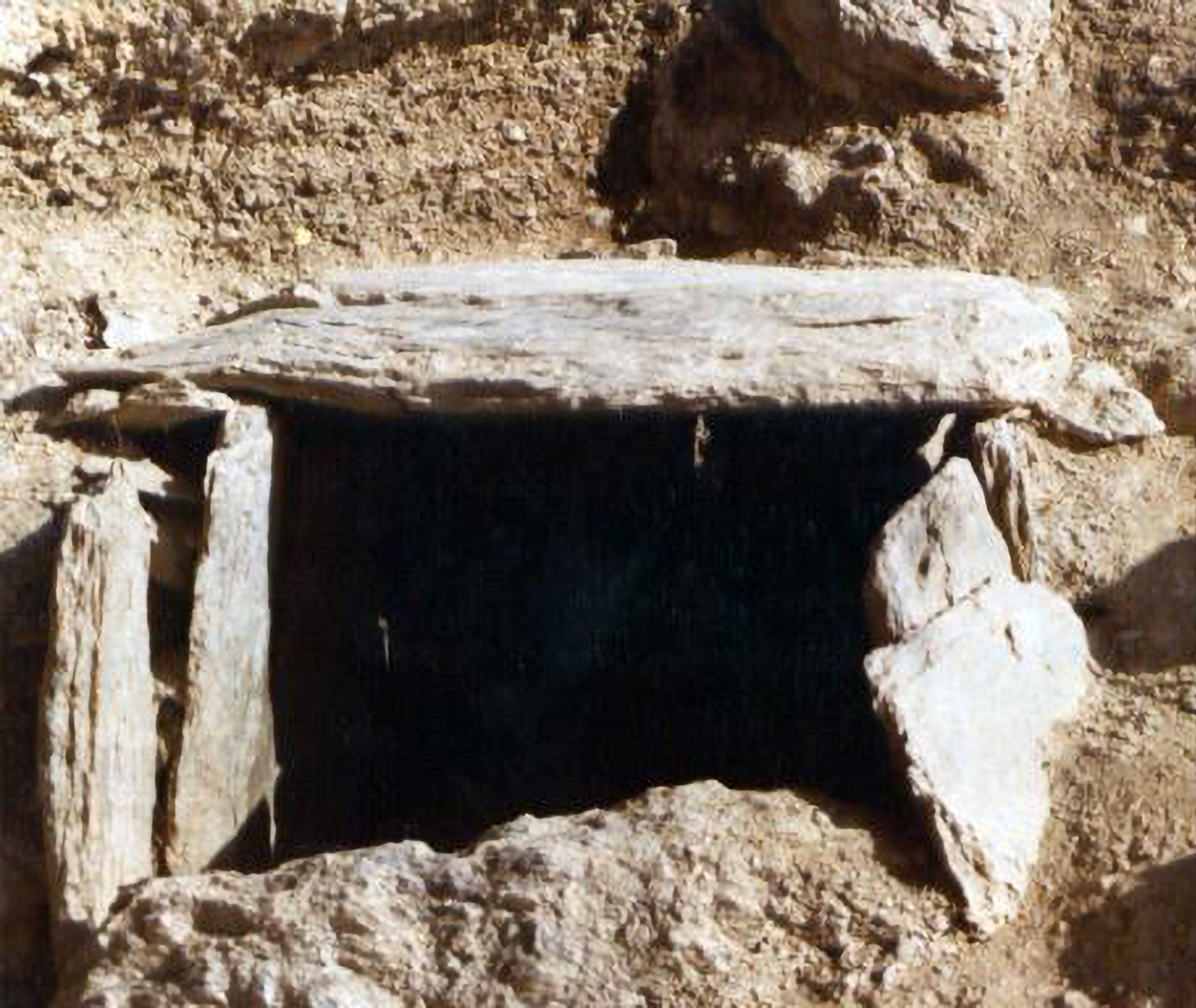 The burial of the adult male. (Gobierno de Andorra/Real Press).