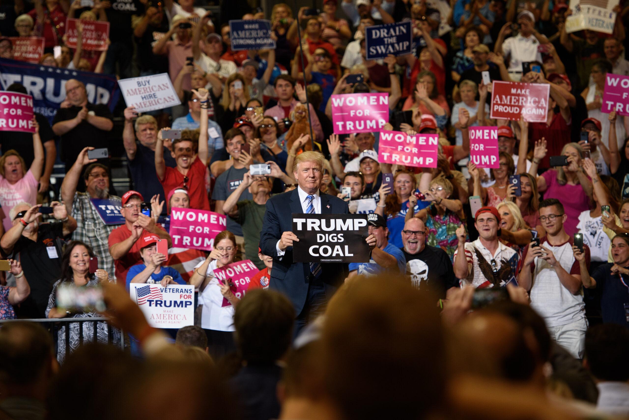 Coal Shrinks Despite Trump Pledge to Halt Slide