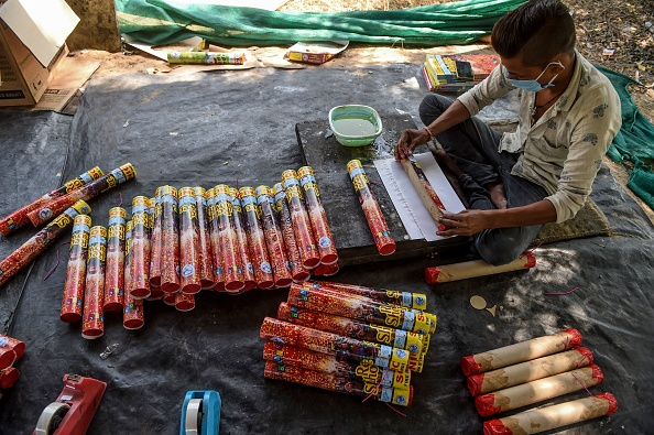 Diwali Fails to Light Up India's Pandemic-hit Fireworks Industry