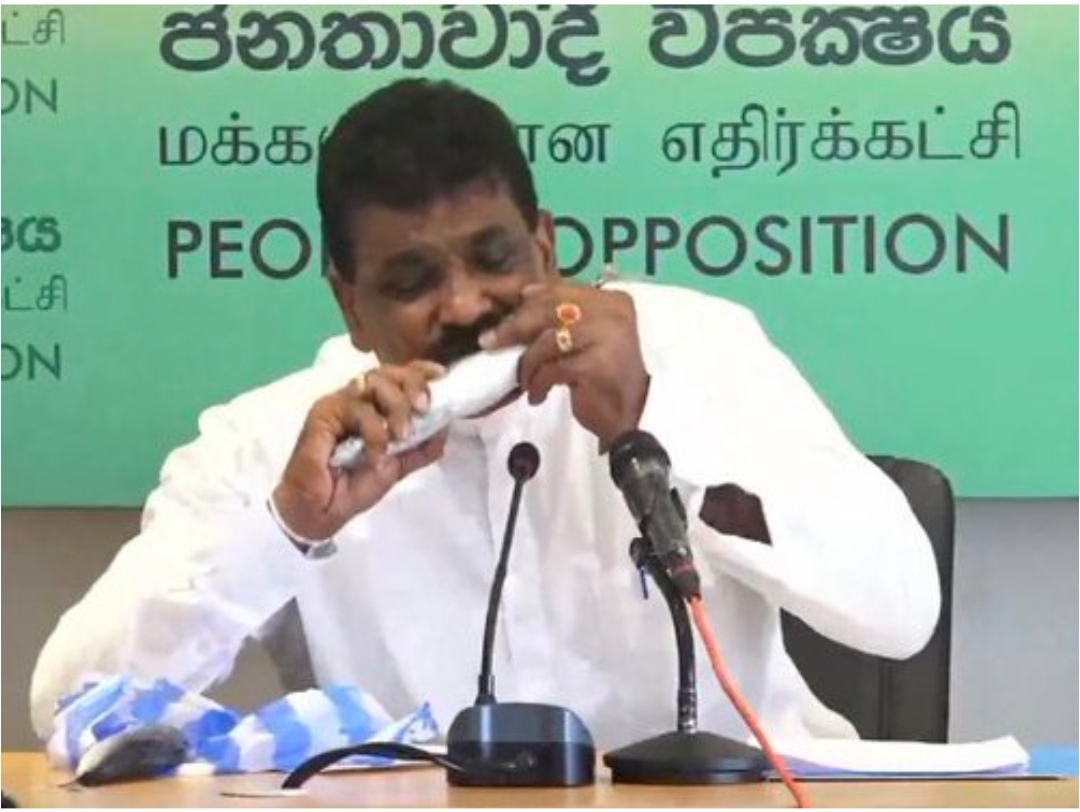 Sri Lanka Politician Performs a Fishy Stunt