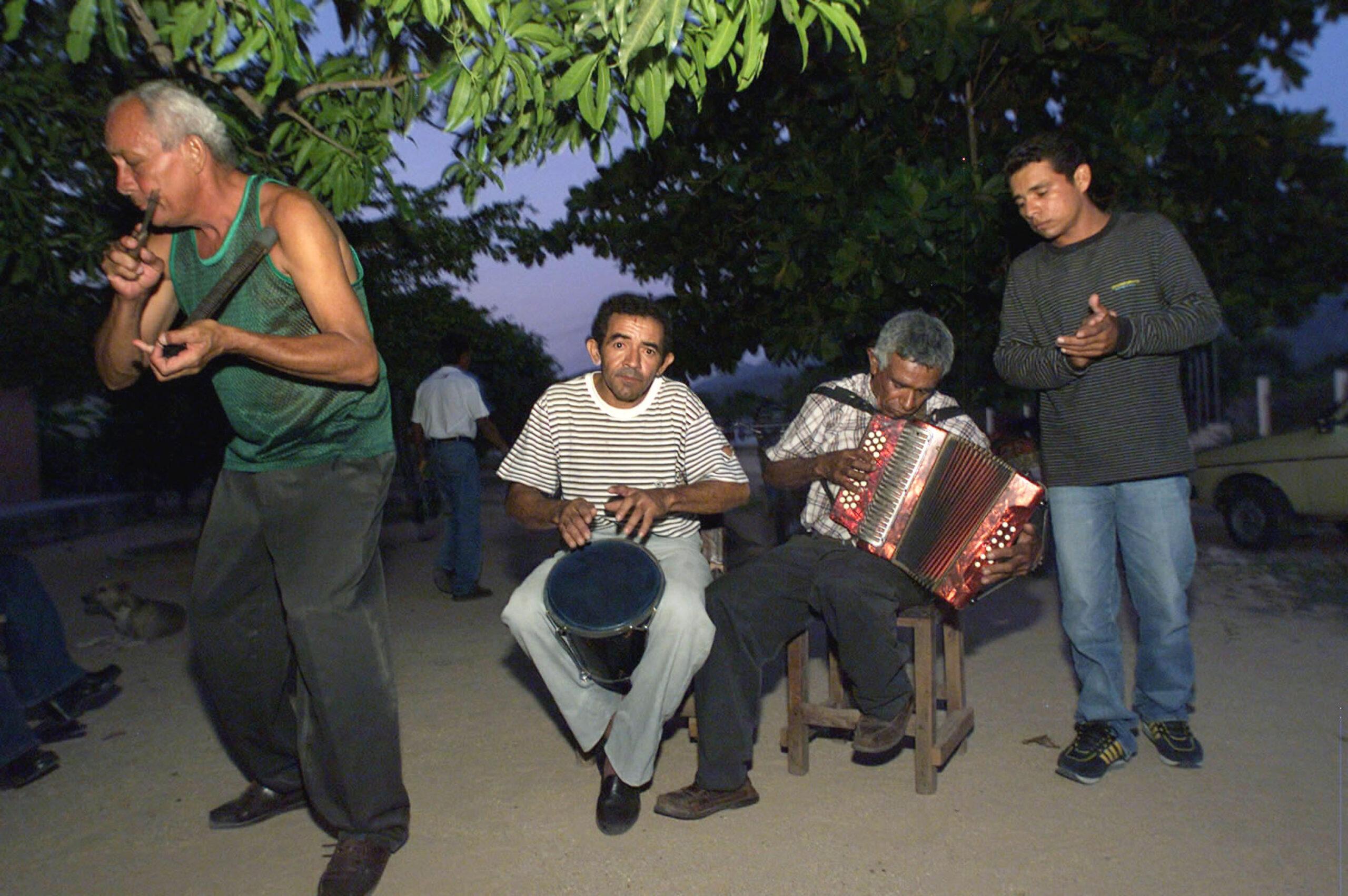 El origen del vallenato, el género colombiano por excelencia