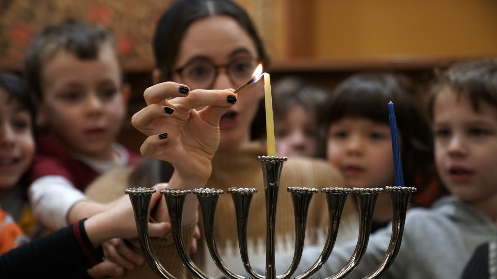 Smarter News Quiz: Hanukkah Edition