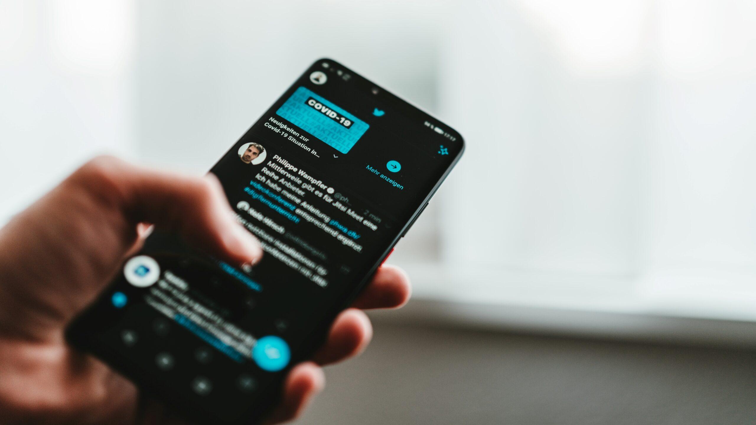 Critics Blast Twitter for Suspending Indian Writer's Account
