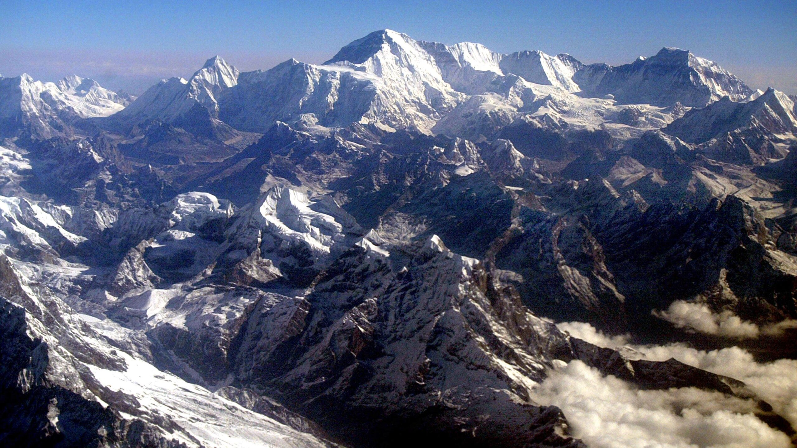 Mount Everest Grows Taller By 86 Centimeters