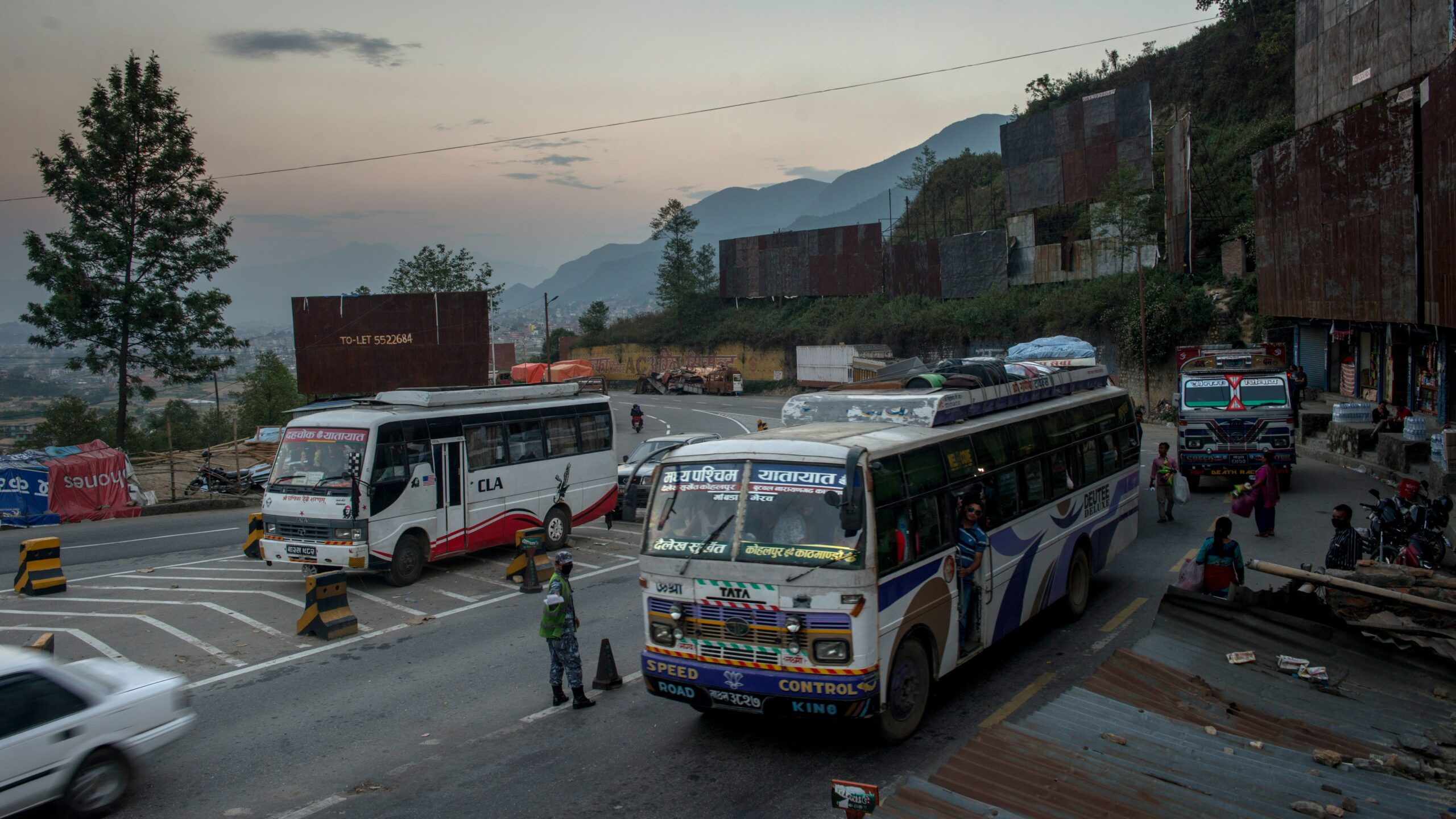 Border Security Alarm in India as Rising Number of Nepalese Enter with Indian ID