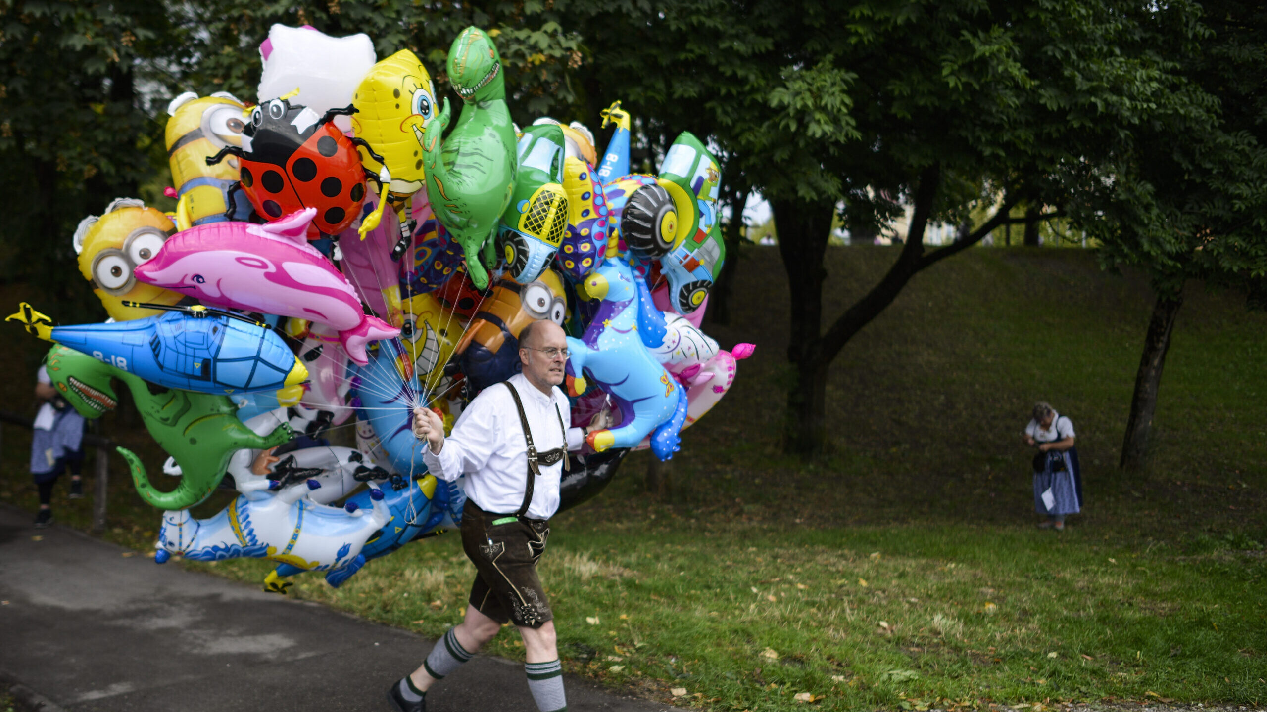 Up, Up and Away: Balloon Vendors Disappearing