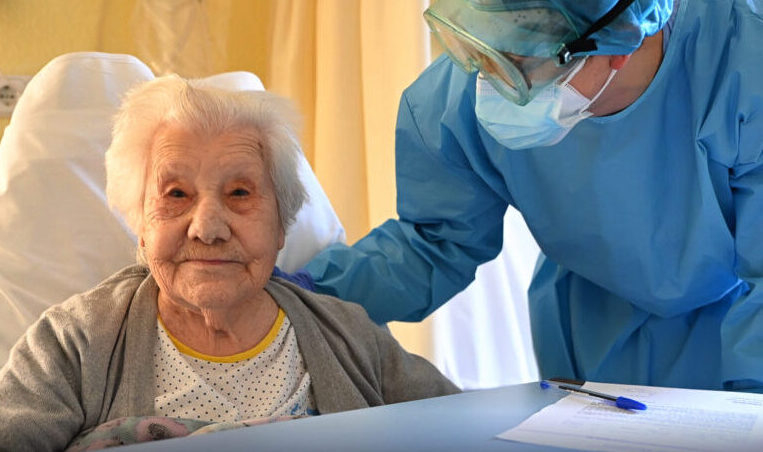 VIDEO: 104-year-old Spanish Woman Recovers From COVID, Gets Standing Ovation