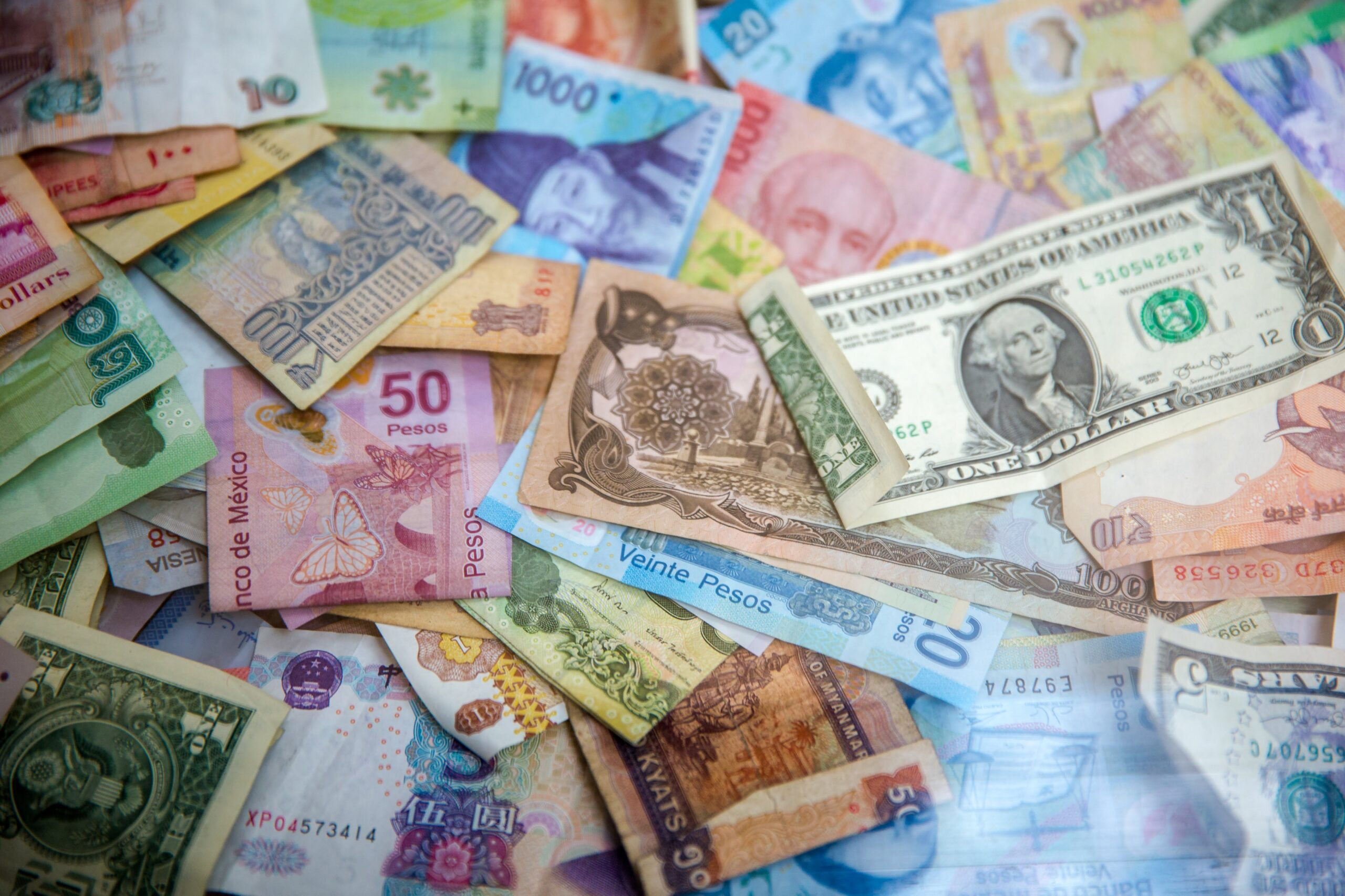 How Do Blind People Know Which Banknote To Use?