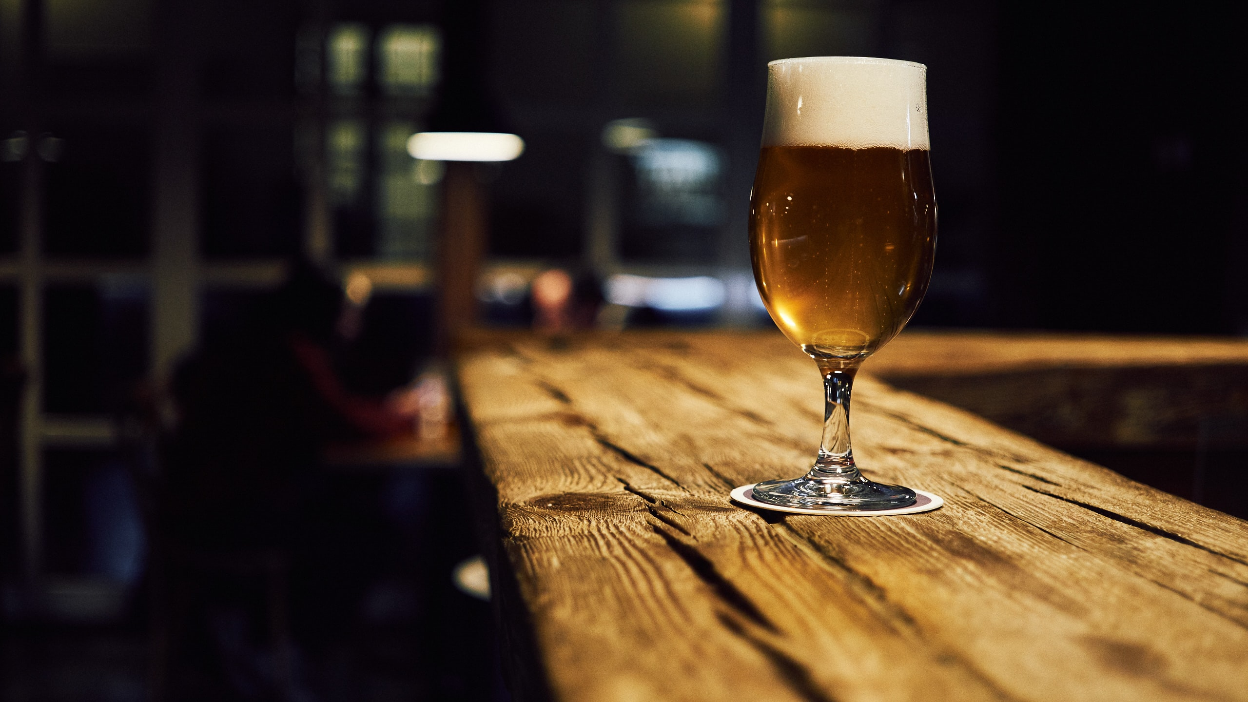 The Complex and Beautiful Art of Serving Beer