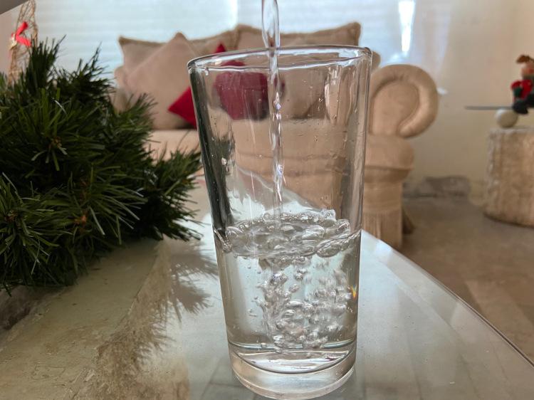 El agua simple es el mejor hábito