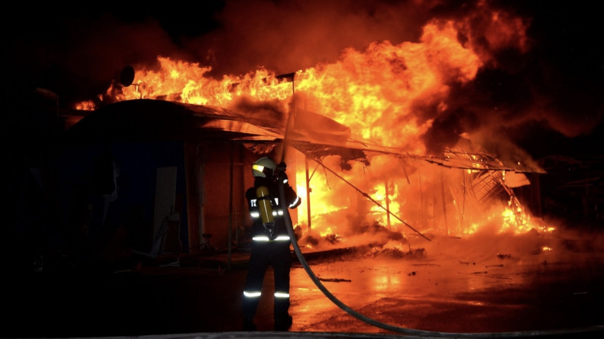 Heroic Act: Cops Brave Fire To Evacuate Burning Home