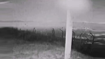 F)Meteor in the sky recorded by local broadcast Onda Bierzo. (@ondabierzo . Newsflash)