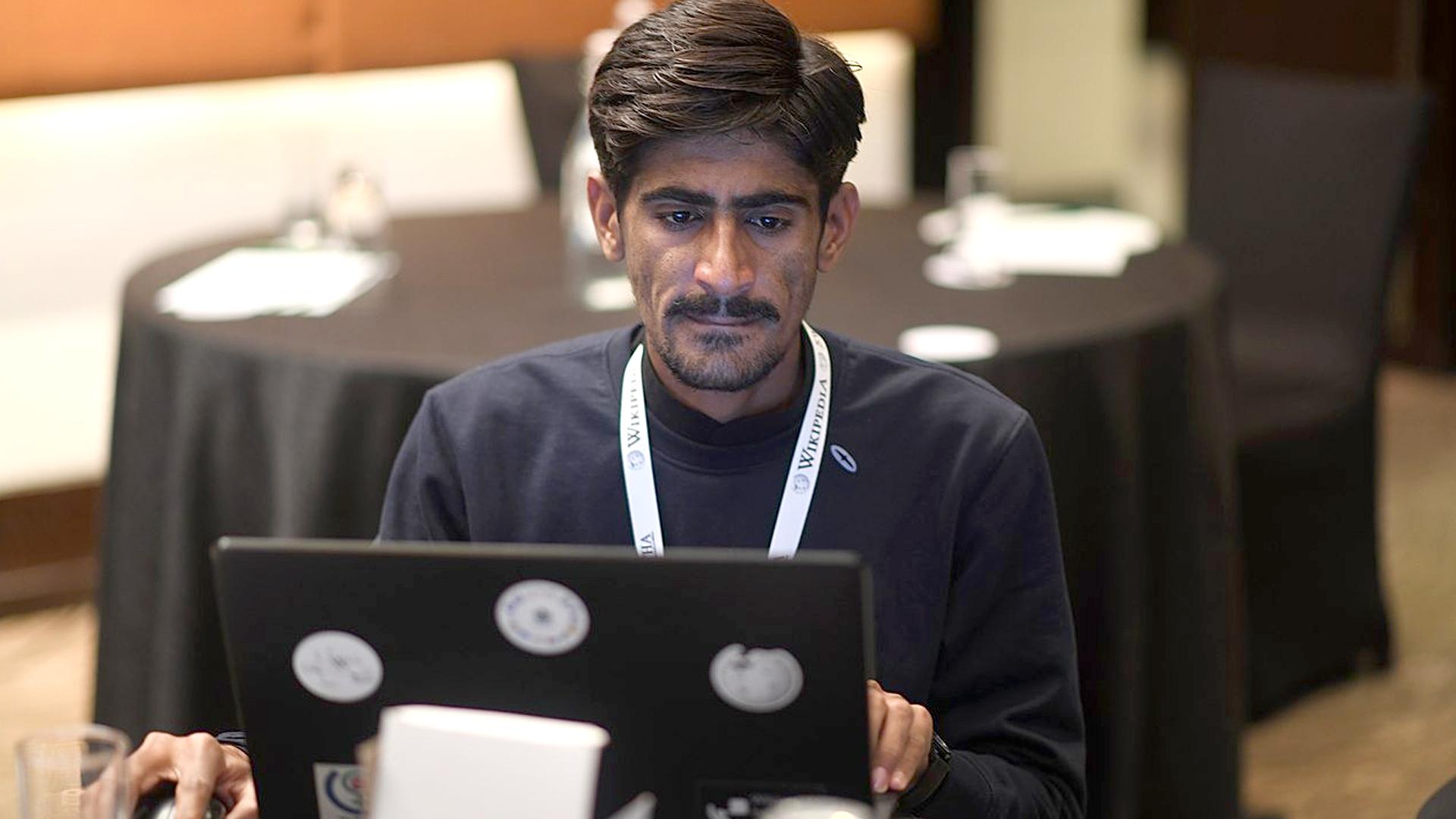 Cricki-pedia: Young Carpenter's Love Of Cricket Makes Him A Wiki Star