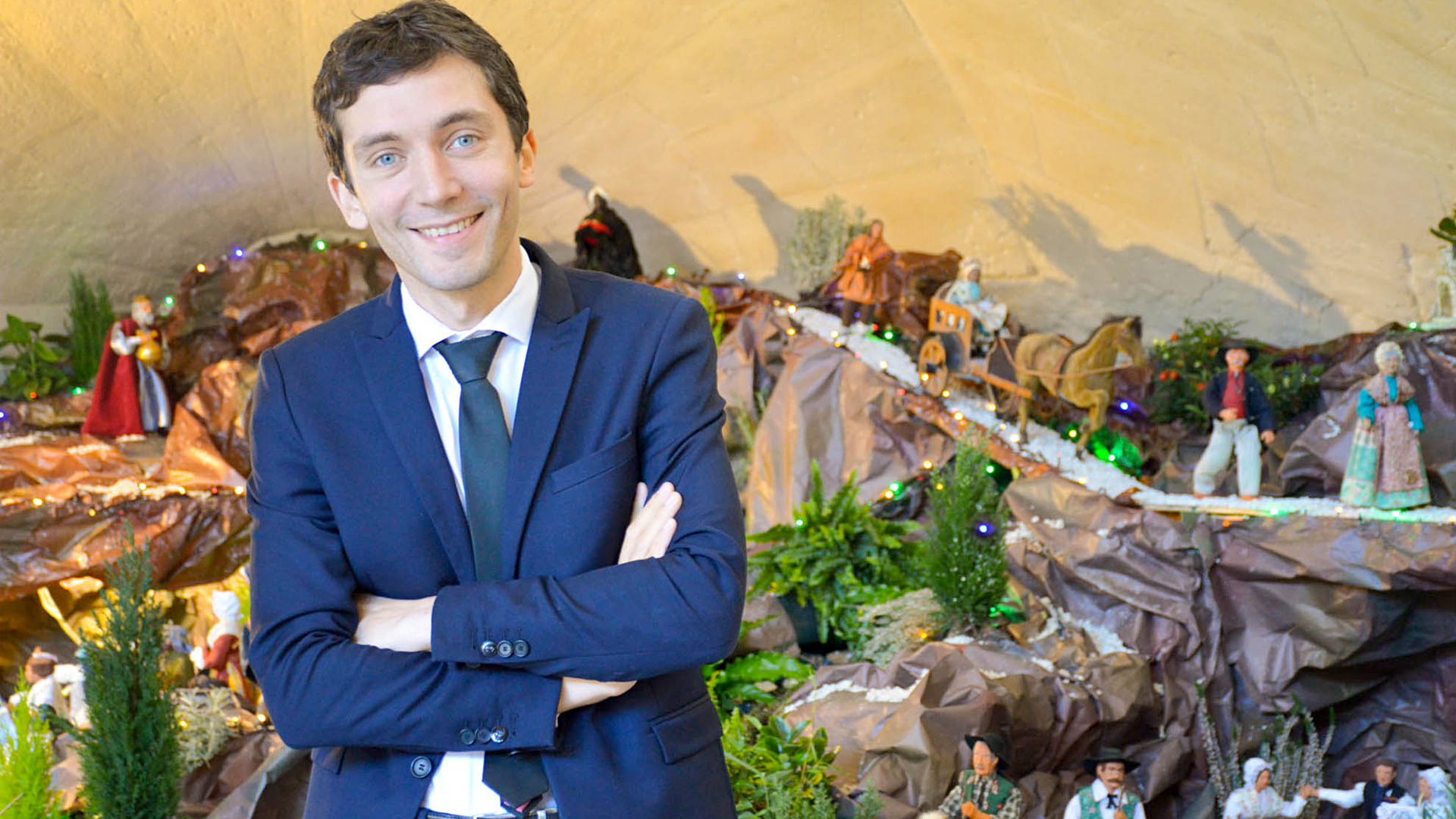 Mayor Fined on Refusal to Take Down Town's Nativity Crib