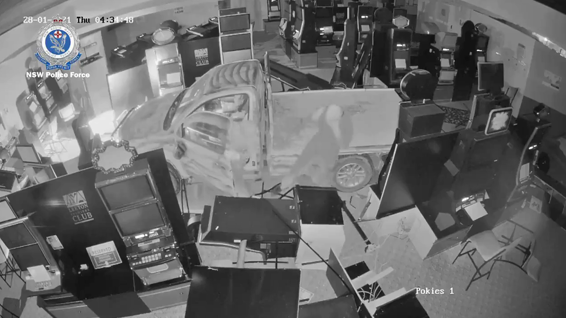 VIDEO: Ram Raiders Flee With Slot Machines After Crashing Into Leeton Soldiers Club, Australia