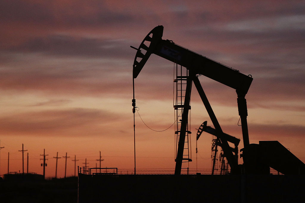 Crude Oil Prices Continue Rising As Inventories Drop