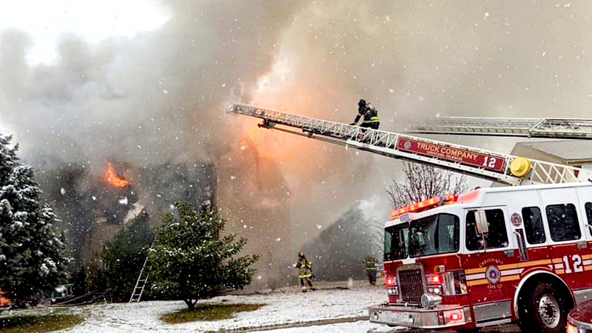 VIDEO: Inferno Heroes: Firefighters Battle Huge House Blaze
