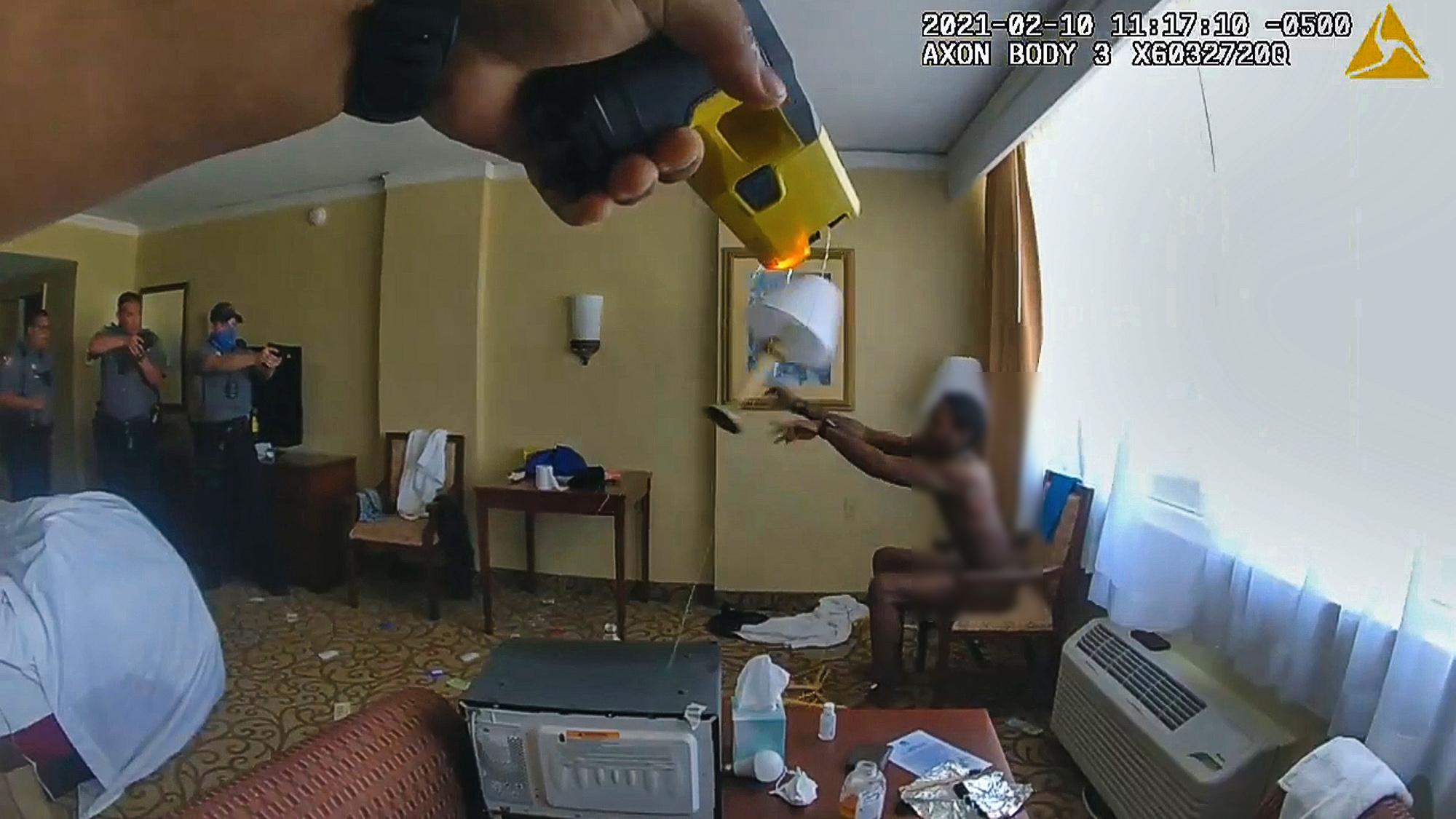 Daytona Beach Officers Detain Armed Man In Florida