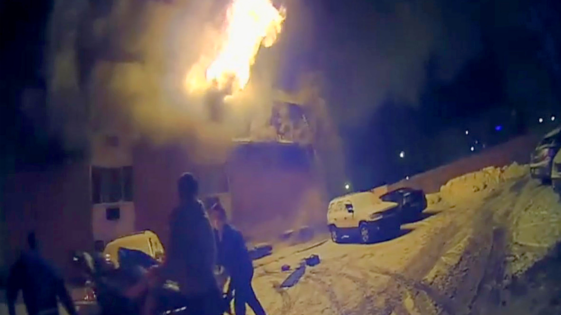 VIDEO: Blazing Building: Mount Clemens Residents Jump To Save Themselves
