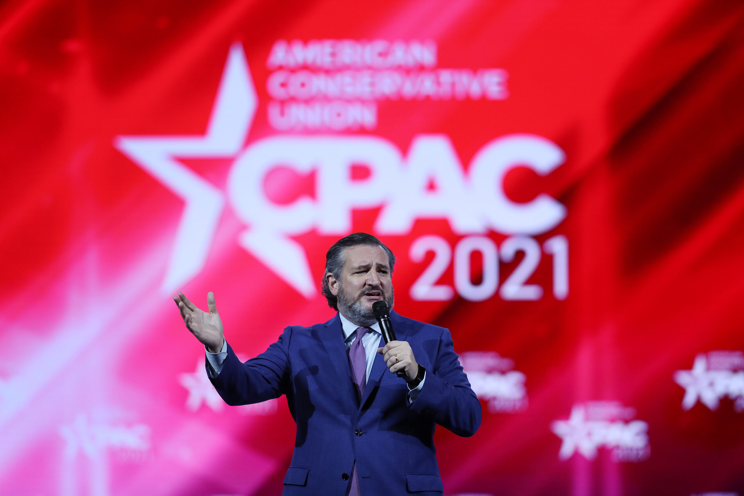 At Conservative Convention, Ted Cruz Says Mask Mandates Are 'Just Dumb'