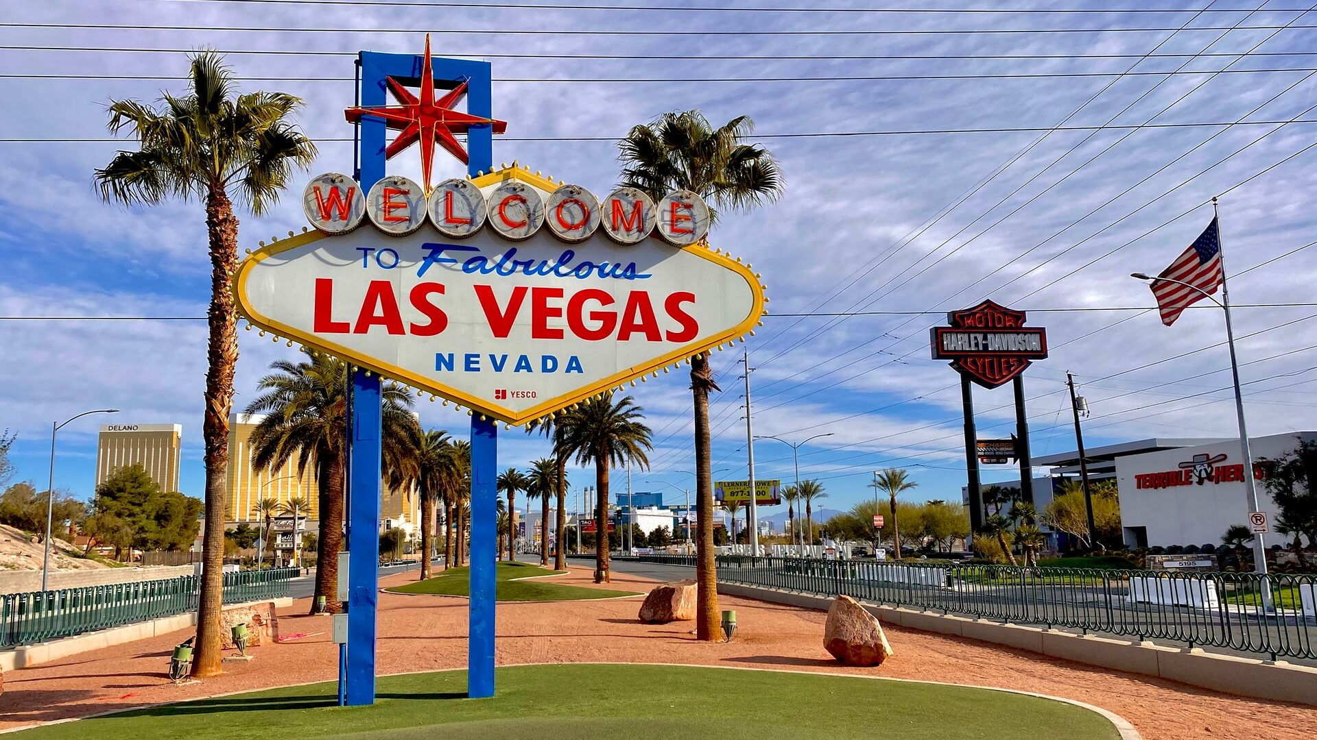 Smarter News Quiz: Country Music, Credit Cards and Las Vegas