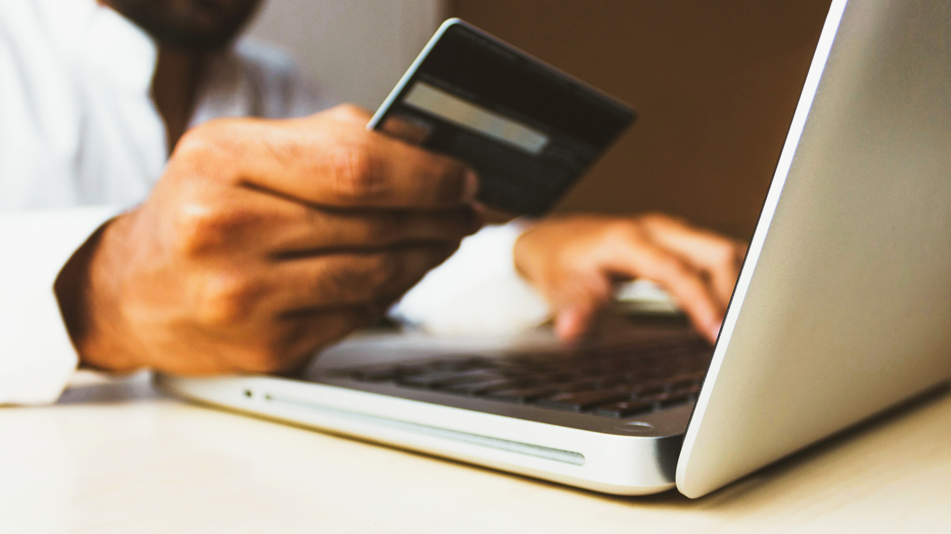 Amazon, Google, Facebook Eye Bigger Play In Indian Payments Space