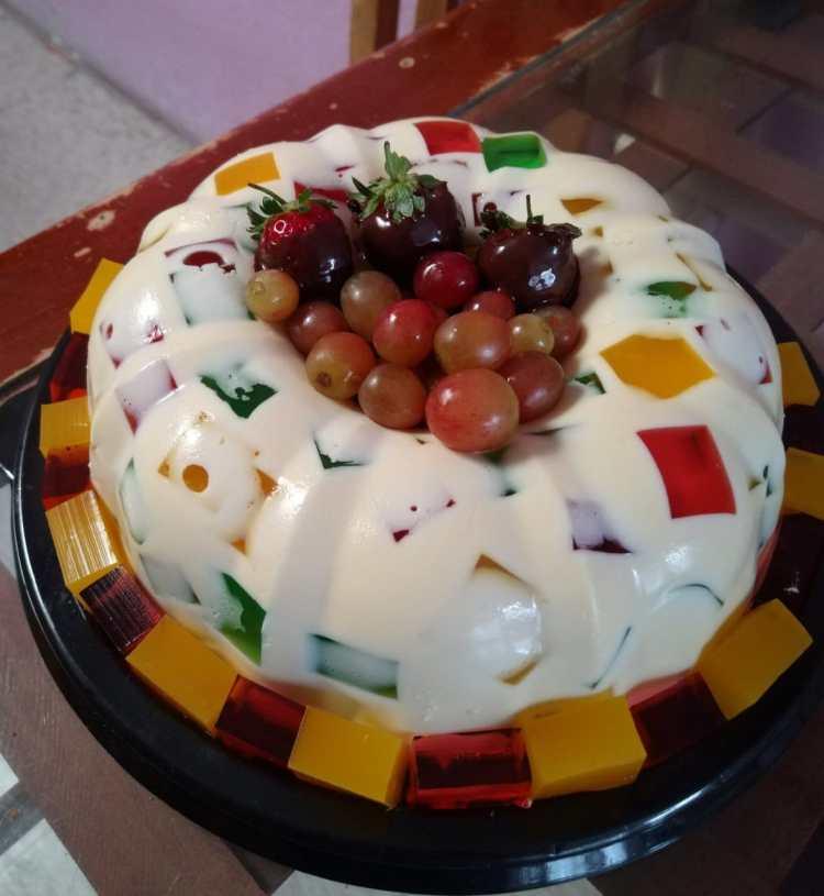 Mosaic Jello Brightens Up The Dessert Table