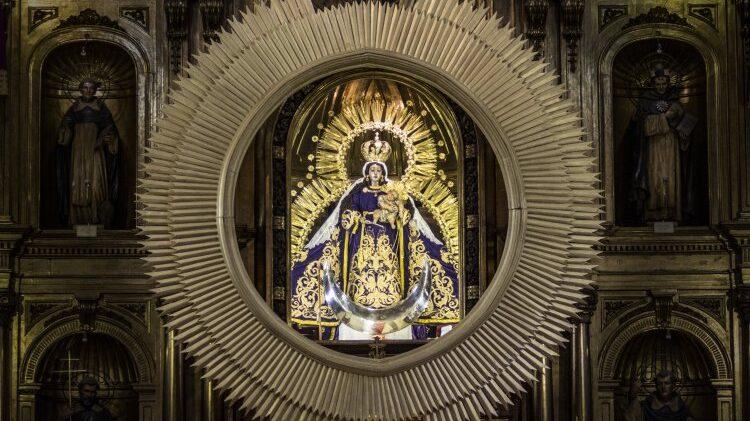Guatemala venera a la Virgen del Rosario