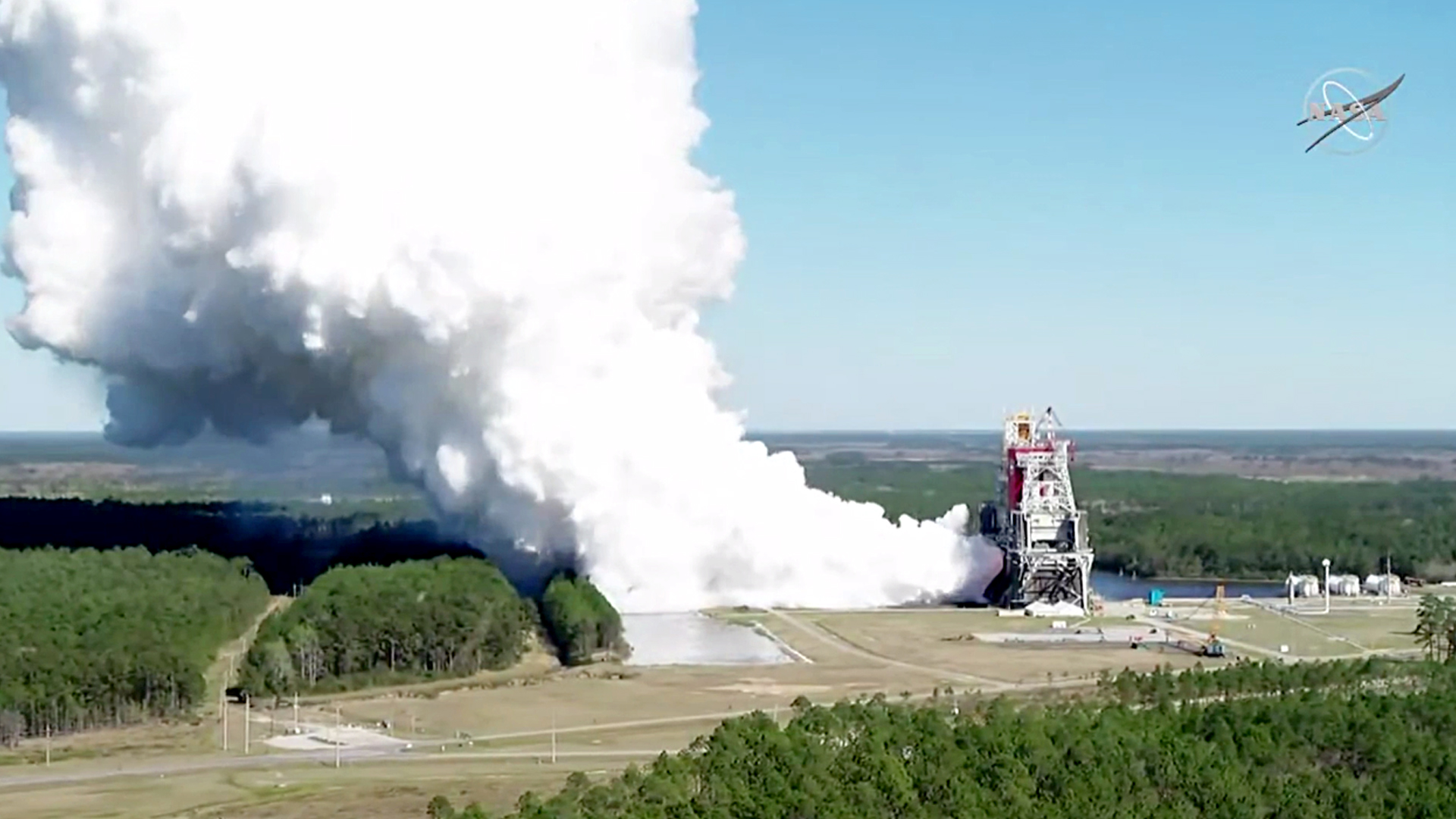 VIDEO: Rocket Blam: NASA Tests World's Most Powerful Rocket For Return To The Moon