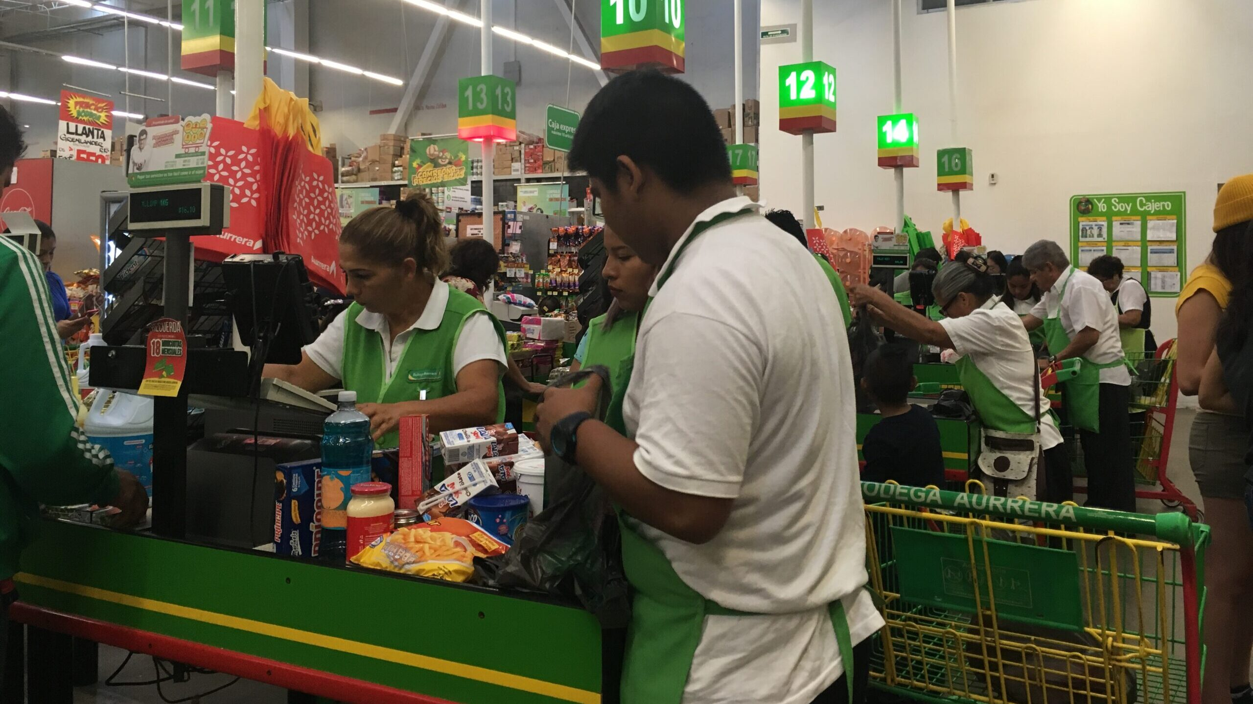 Empty Bags: Older Adults In Mexico Are Out Of Work