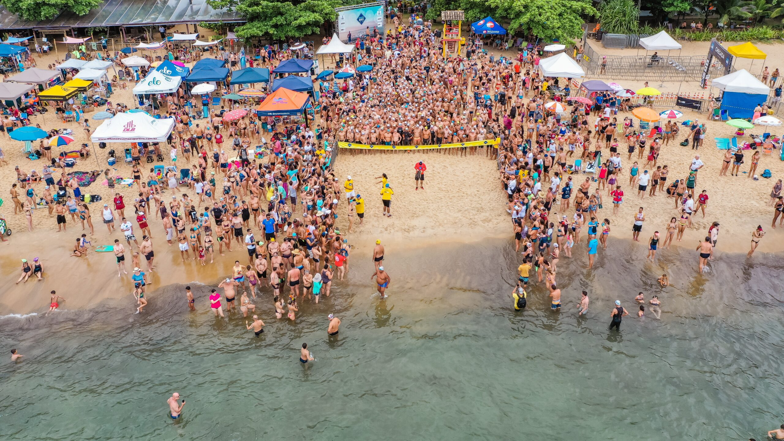 <p>People want a relaxing Easter; as a result, Mexico's beaches are expected to be crowded despite the pandemic. (Sergio Souza/Unsplash)</p>