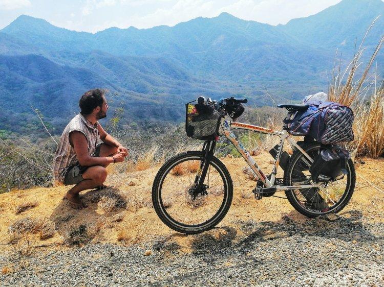 Tabaré Alonso: de Uruguay a Alaska en bicicleta