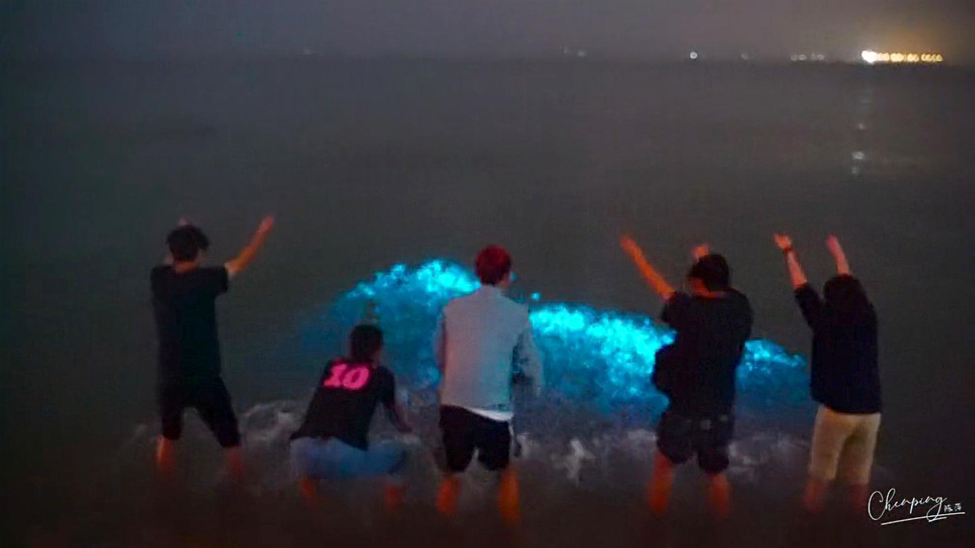 VIDEO: Feeling Blue? Amazing Azure Tears In Lake