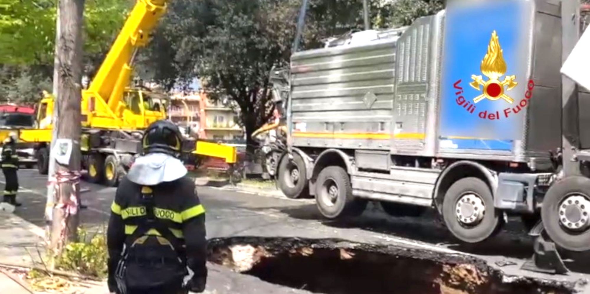 VIDEO: Sinkhole Swallows Heavy Truck