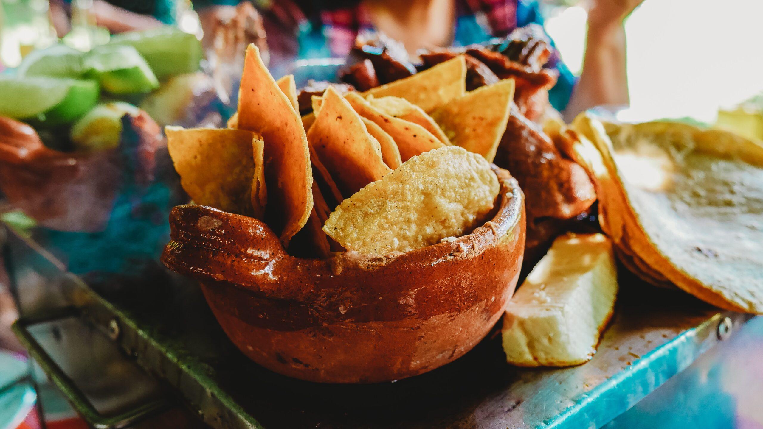 Llámese totopo o nacho, es el complemento perfecto