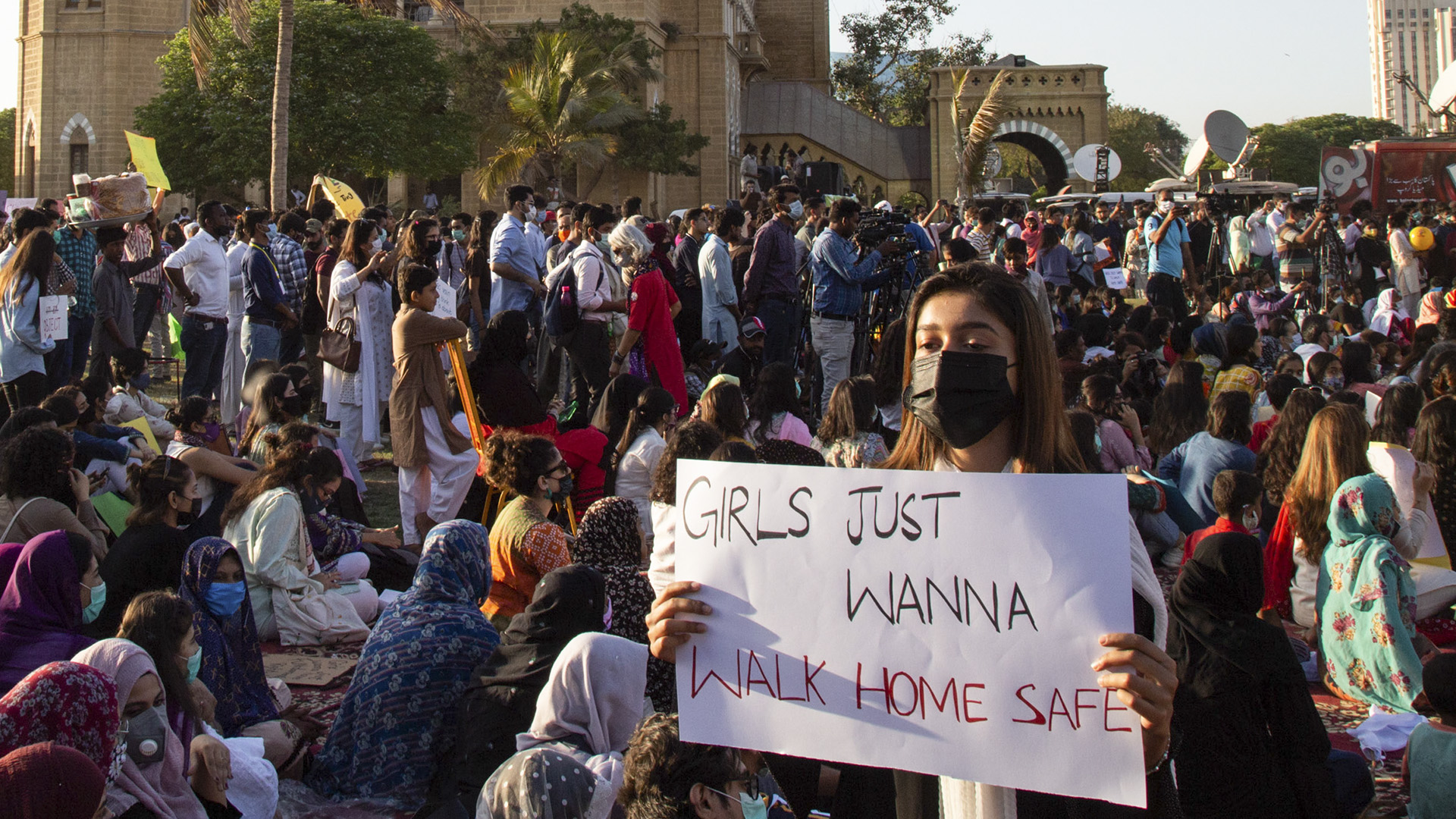 Human Rights Report Rings Alarm Over Plight Of Women In Pakistan
