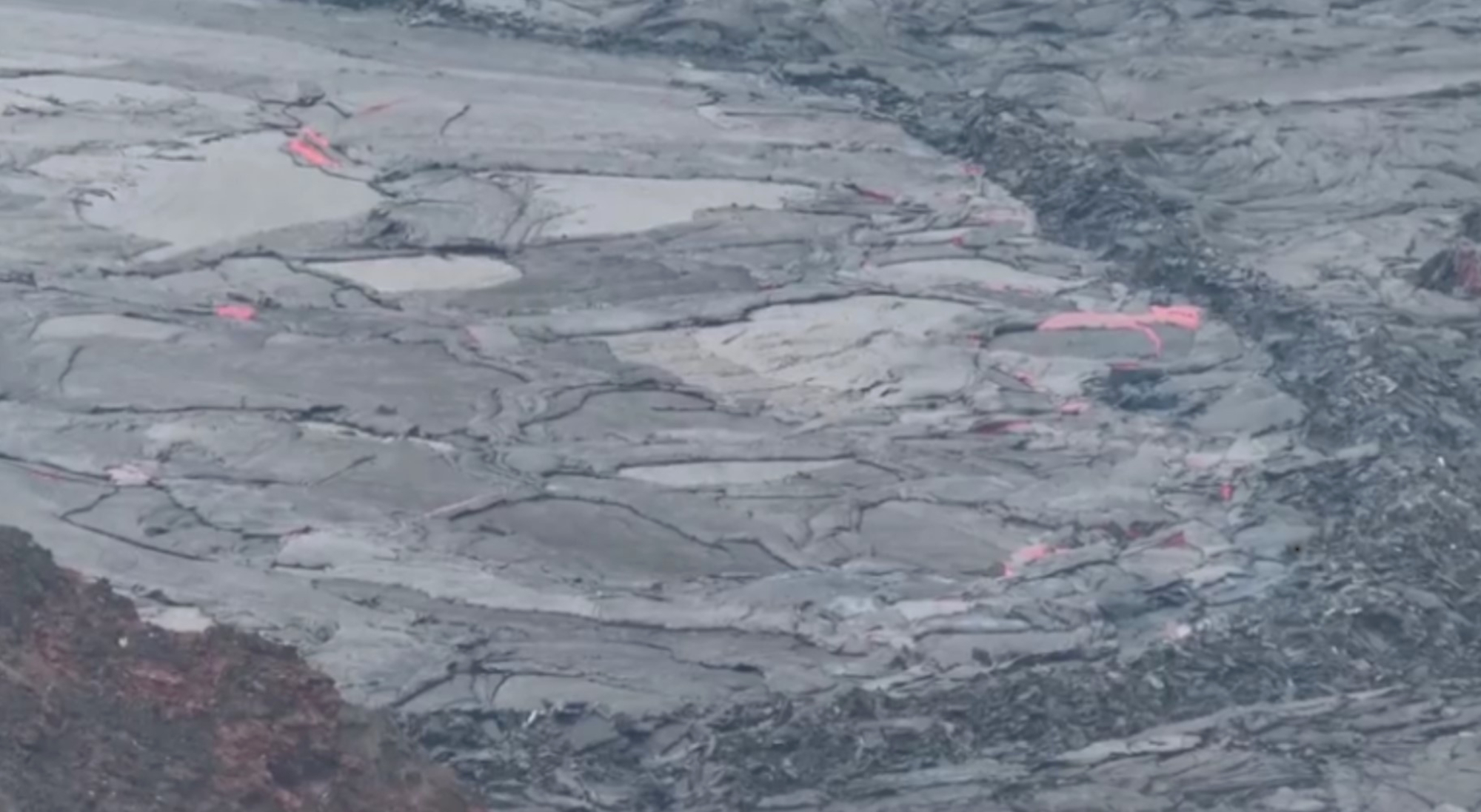 VIDEO: La-Va Land: The 740-Foot Deep Volcanic Lake That's Boiling Over In Hawaii