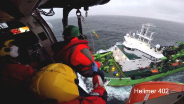 The evacuation of a sick crew member from the Lange Wapper ship 240 miles off the Galician coast in Spain on the 23rd of April 2021. (@salvamentomaritimo.es/Clipzzila)