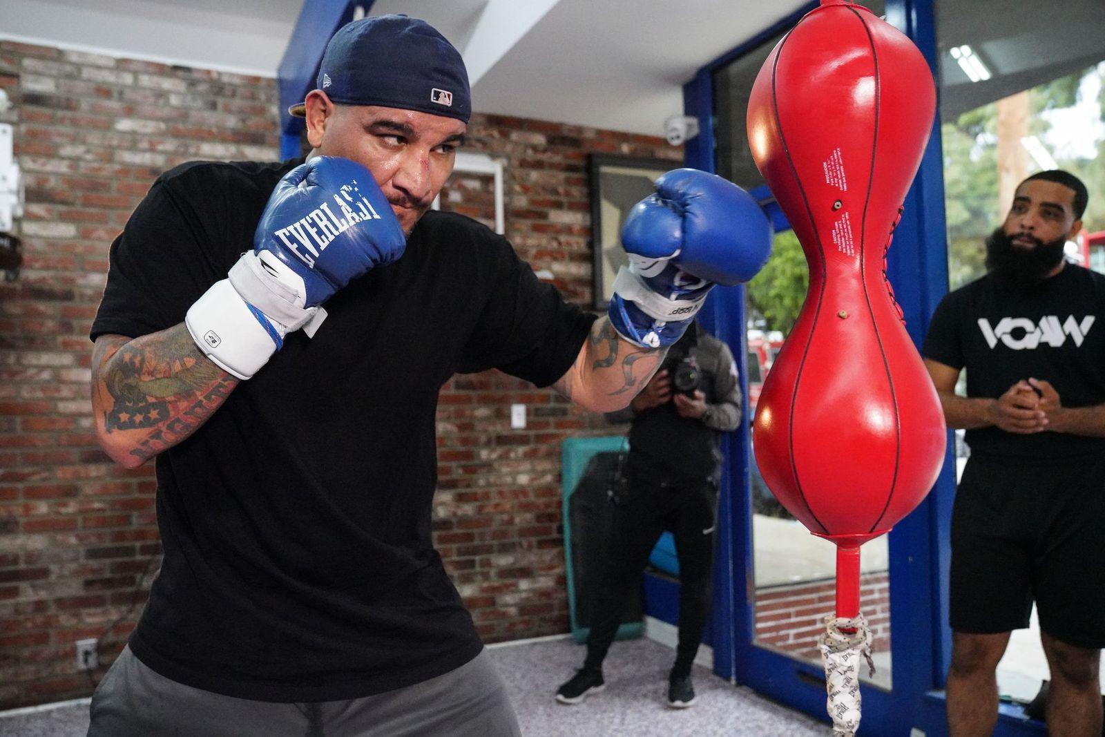 El peso pesado Chris Arreola entrena en Los Ángeles. (Sean Michael Ham/TGB Promotions)
